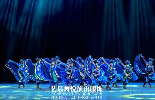 定制舞蹈演出服装助社区文艺演出