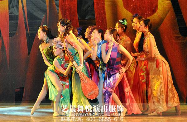 舞台剧演出服装《金陵十三钗》美轮美奂让观众沉醉
