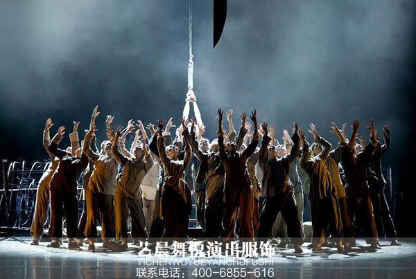 《红高粱》舞台演出服装尽显舞剧情节