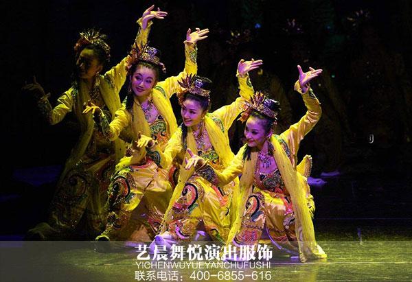舞蹈演出服装点亮舞台氛围