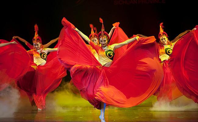 民族舞蹈服装的魅力艺术赏析!