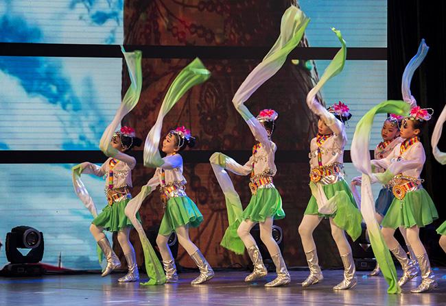 校园古典舞蹈演出服装设计,大型舞台剧表演服装