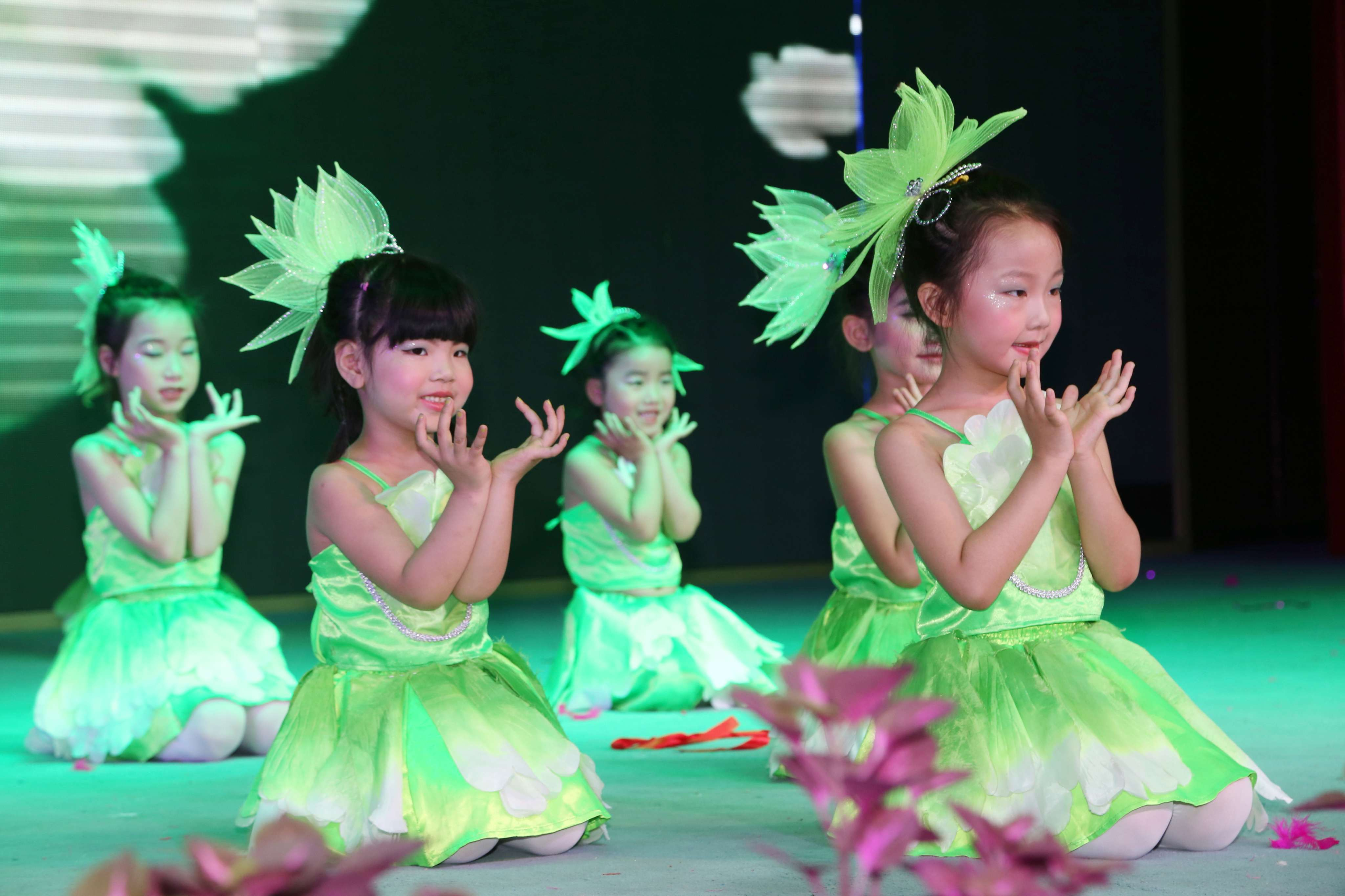 校园元旦舞蹈演出服装设计与定制案例!图片